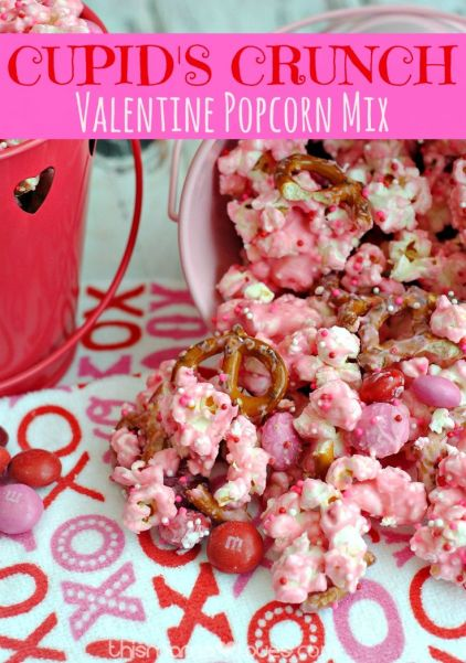 Recipe for Cupid's Crunch- this popcorn recipe is the perfect mix of sweet and salty- in fun holiday themes!